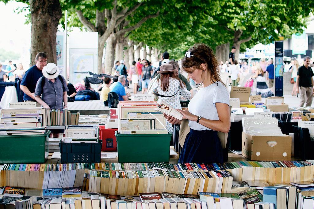 Urban-Pixxels-book-market