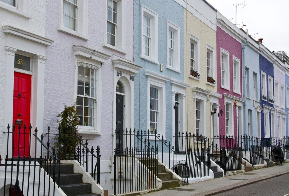 the colourful houses of notting hill little observationist. Black Bedroom Furniture Sets. Home Design Ideas